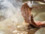 バイキングコーナー人気料理:牛ステーキ