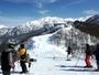白銀の立山連峰や能登半島、富山湾一望の立山山麓スキー場