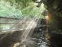 名物壁湯に朝の光が。湯気が光に導かれて昇って行くよう