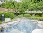 *【大浴場/露天ハーブ湯】春には、鮮やかに咲き誇る色とりどりの花桃を楽しめます