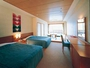 「和洋室」お部屋は39平米で広々快適♪テラスに出ると心地よい潮風と波音のBGMが!