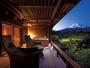 福地Aタイプ/露天風呂デッキテラスから望む雄大な富士山(写真は445号室デッキテラス付き)