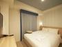 シングルルーム狭いながらも機能的な空間をご用意しております。