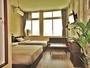 セミダブルベッド2台、シャワートイレ、TV、冷蔵庫、お茶セット、ホテルアメニティあります!