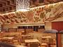 アーティスト木村英輝氏によってレストランに描かれた作品。山海の宮城の食材を表現!