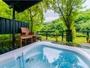 【特別室 萌-moe-】昼は広大なプライベートガーデンを臨む脱日常の入浴が叶う