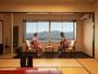 【展望フロア客室】一例/目の前に広がる山景色にうっとり。
