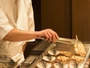 伊東名物魚の干物もひとつひとつ目の前で焼いていきます