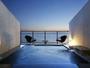 【海に浮かぶ天空の露天風呂付き客室(一例)】目の前に広がるオーシャンブルーに感動!