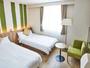 客室一例/広さ23平米、ベッド2台のツインルーム。