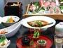 お料理の一例(お刺身は2人前)時期により内容は変わります。