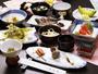 新鮮な川魚と四季折々の山菜。甲斐の郷土料理をお楽しみください。