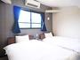 【洋室ツイン(全棟共通)】シンプルなお部屋ですが、快適にお過ごしいただけます。