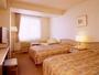 ツインルーム/目に優しい色彩で統一され開放感溢れる癒しの空間。テンピュールの枕でぐっすり♪