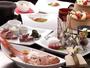 ご夕食は伊豆牛・地魚のお刺身・季節の食材をお楽しみ頂けます。写真は一例です。