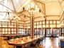 ◆レストラン「蔦」店内。ノコギリ屋根の天井が旧紡績工場の面影を思い起こさせます。