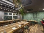 ボタニカルな雰囲気のレストランでシェフ自慢のフルコースはいかがでしょうか。