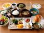朝食は和食のバイキングスタイル。地域の食材を使った、こだわりのお料理で朝からリフレッシュ♪