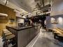 フロントは24時間スタッフ対応。 エスプレッソバー「ストリーマーコーヒー」併設。