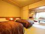 【10畳+和ベッド】