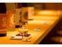 館内に但馬地酒の日本酒BARを併設しております♪外湯巡りの後の締めにいかがですか?