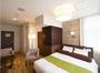 ホテルプリヴェのワンランク上のスーペリアダブルルーム。心地よいゆとり溢れるダブルルームです。