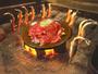 ( 料理例 )   囲炉裏の遠赤外線効果であつあつ、ほくほくに。料理は季節により変わります。