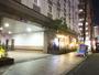 駐車場入口(ホテル敷地内機械式立体駐車場)