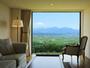 刻一刻と変化する風景が部屋を飾る唯一の「絵画」