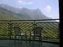 客室バルコニーから世界遺産の山々を直接望む
