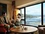 【客室イメージ】都会の喧騒を離れ、海を眺めながらリラックスできる空間はカップルでの滞在にもぴったり!