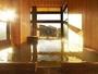 夕暮れ時の貸切風呂。写真は人気の「精」(こころ)