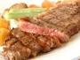 阿蘇といえば【あか牛サーロインステーキ】柔らかな肉質で人気の一品です。