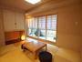 最上階を貸切る客室です。雪見障子から見える石庭坪庭が日本橋滞在の雰囲気を盛り上げます。