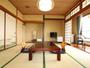 【海側和室10畳一例】海が見えるお部屋でのんびりお過ごし下さい。