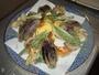 天ぷら盛り合わせ。季節の野菜だけですが、揚げたてをご提供しており、一番人気のメニューです。