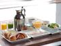 5種類からメインを選べる朝食。パンやジャム・チーズはブッフェ形式でご自由におとり頂けます。