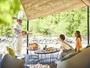 【渓流テラス朝食】目の前に広がる渓流を眺めながら贅沢な朝食タイムをお楽しみください