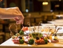 地元の美味しい食材をふんだんに使った、健康に配慮した豊富なメニューのビュッフェをご用意。