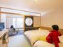 【13室の人気の和洋室】 平成27年12月に完成 Wサイズ(140cm)のベッドでゆったりと。