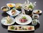 【夕食】料理長吉岡が一品一品丁寧に作る、会席料理。