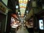 錦市場では京都ならではの食材を買ったり、食べ歩きしたり…楽しみ方は色々です♪