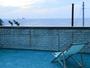 *[屋上テラス]波の音をBGMに、神津島の大きな空、虹色に輝くサンセットを眺める幸せを♪