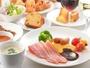 【メインダイニングFOUR POINT】和洋中朝食ブッフェイメージ
