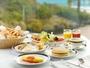 和洋モーニングブッフェはシェフが目の前でつくるふわふわオムレツや、鯵丸ごと一匹の素揚げがおすすめ!