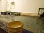 野沢温泉外湯の一つ「麻釜の湯」から源泉を引泉しています。かけ流し「純生の湯」を楽しんでください♪
