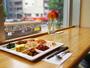 朝食を食べながら窓から見える路面電車を堪能してください♪