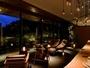 夜のBARはキャンドルで暖かみある雰囲気です