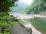 渓流釣りも川遊びも満喫できますよ-。大物が掛かるかも。