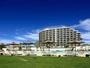 本島西海岸でも希少な美しい天然ビーチに面したオンザビーチホテル